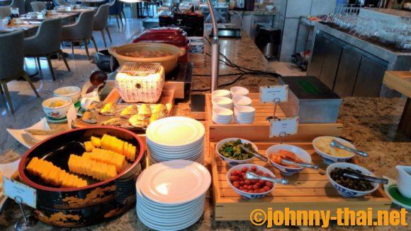 ホテルニッコーバンコク6階オアシスの朝食ブッフェ