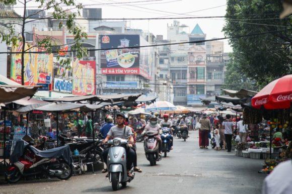 タイでバイクを運転