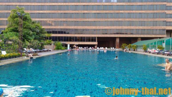 ロータスパンスアンカオホテルのプール
