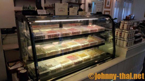 DHARA DHEVI CAKE SHOPのマカロンショーケース