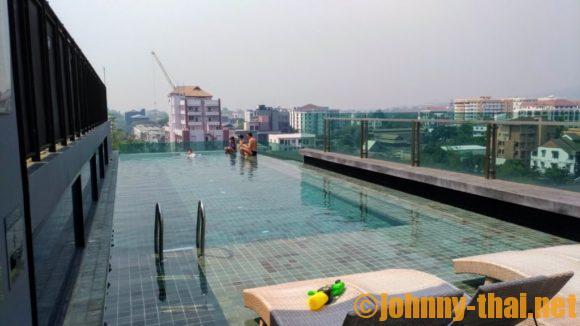 アート マイ ギャラリー ニンマン ホテル チェンマイのプール